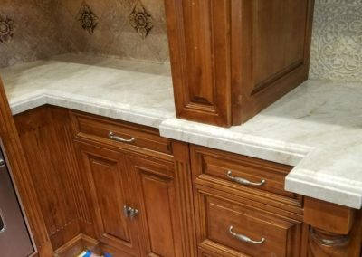 White countertop edge